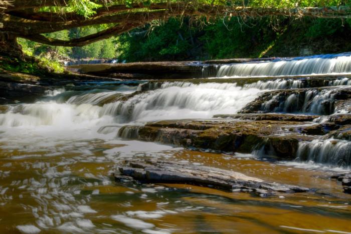 3. Manabezho Falls