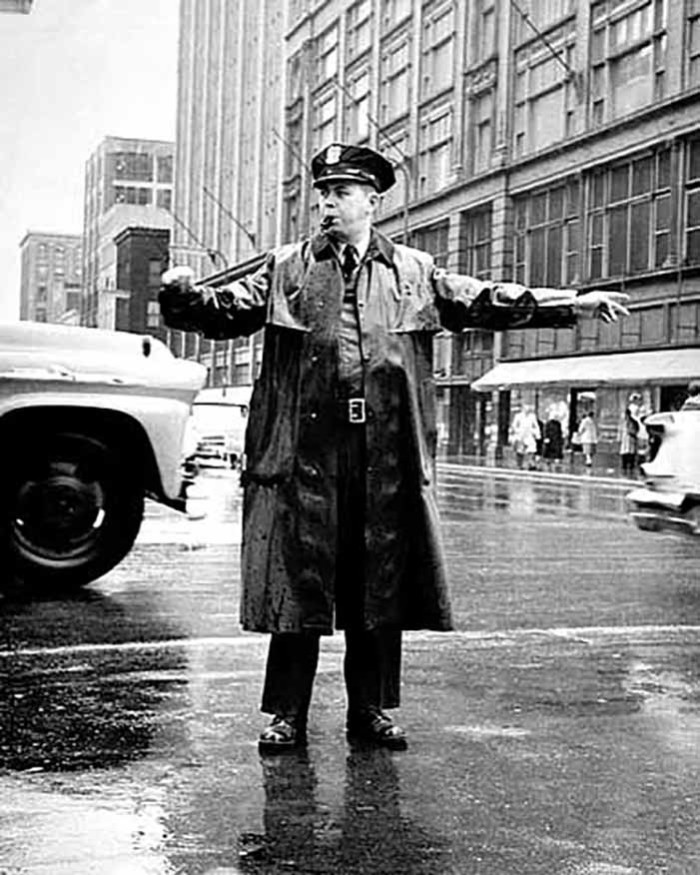 17. In 1959, Policeman Clarence Pederson directs traffic at Seventh and Nicollet in Minneapolis. How many of you remember the police officers from your hometown in Minnesota?