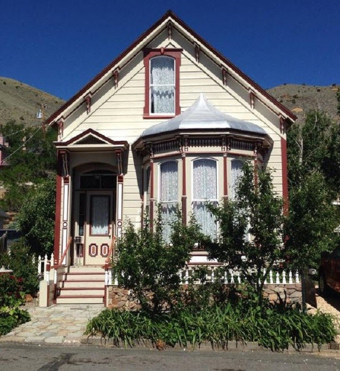 7. Book a room for the weekend at one of Nevada's charming bed and breakfasts.