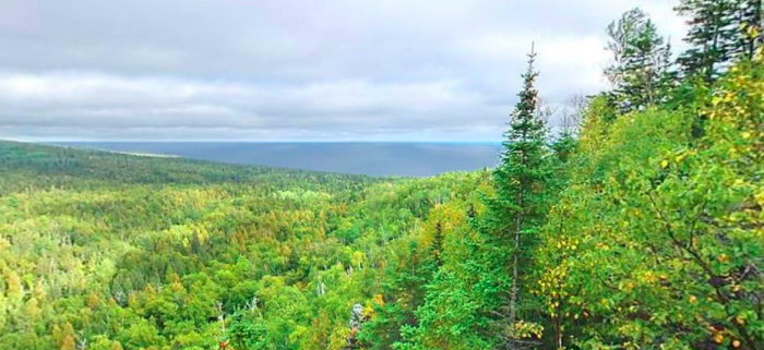 Nothing beats this overlook, where you can sit down and enjoy the beauty of the untamed Northern wilderness.