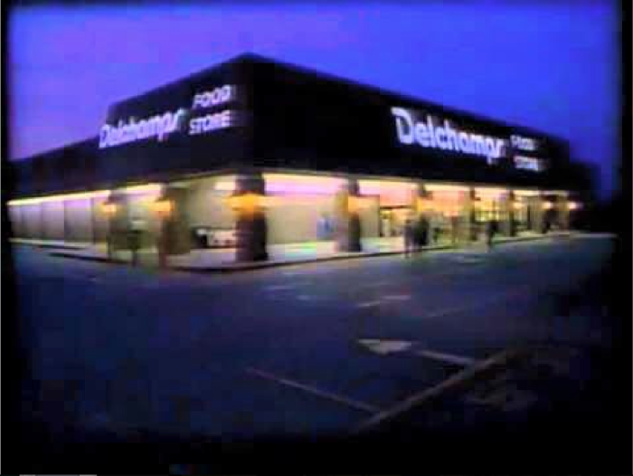 5. Shopping at Delchamp's on the westbank of New Orleans.