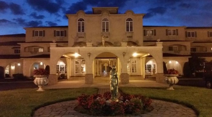 16. Tuscany House Hotel, Egg Harbor City