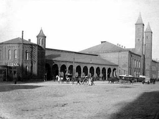 4. Take a look at the original Union Station that stood in Providence from 1846 until a fire destroyed the structure in 1896.