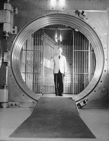 """9. """"Interstate [sic] Bank Vault, Denver."""" (1935)"""