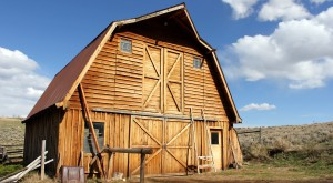 You Will Fall In Love With These 10 Beautiful Old Barns In South Dakota