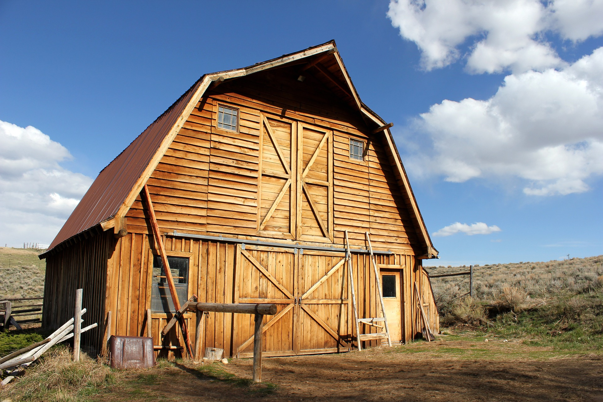 You Will Fall In Love With These 10 Beautiful Old Barns In