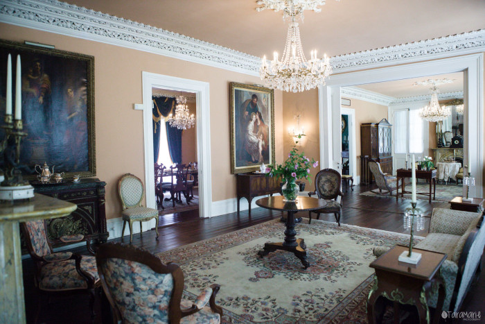 In 1834 the home was sold to Mr. Ruffin Stirling, who equipped it with a 300 lb. Baccarat crystal chandelier and Carrara marble mantles.