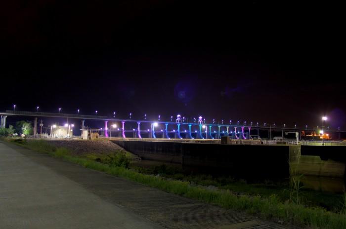 19. Big Dam Bridge