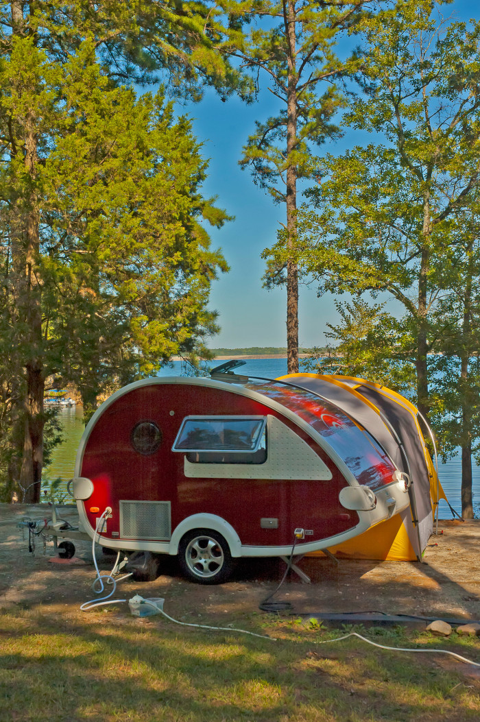 You could plan a weekend camping.This cute campsite is alongside Lake Hartwell.