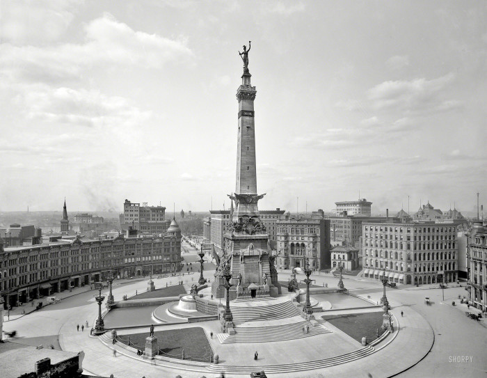 5. Soldiers' and Sailors' Monument in the Indianapolis Circle