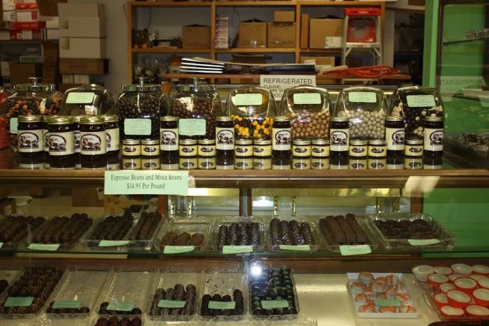 2. Clay's Chocolate Shop, Campton