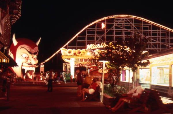 10. Spend the whole day on the classic rides at Miracle Strip Amusement Park in Panama City.