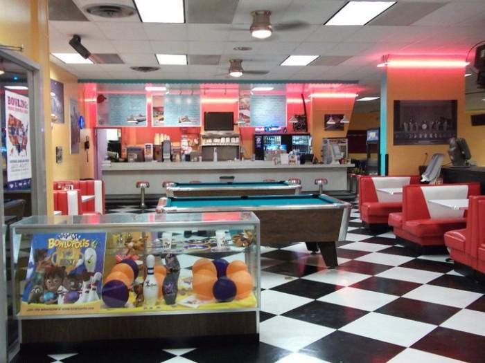 8. Easton Bowling Center, Easton