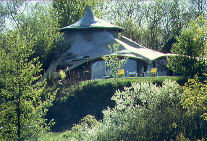 Ensculptic was the creation of architect Winslow Wedin in 1969.