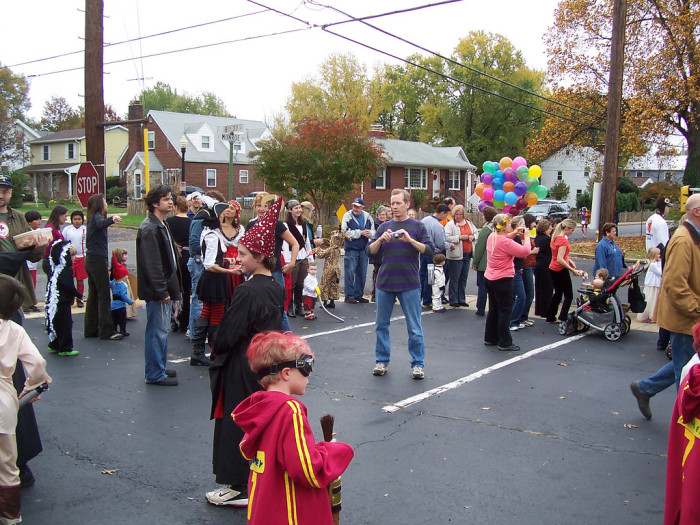 9) Trunk or Treating