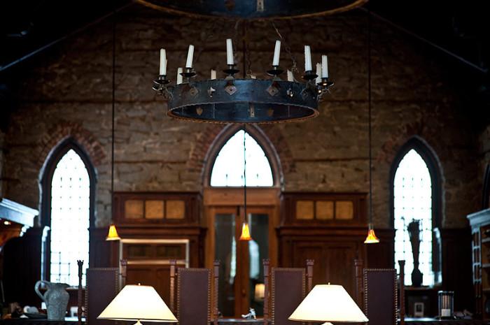 mugdock-castle-dining-table
