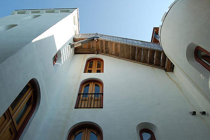 mugdock-stairs-to-tower