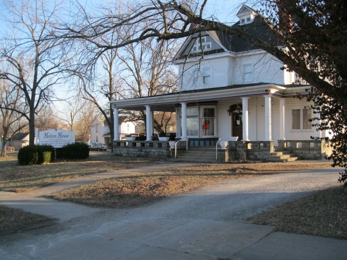 6. Holton House Bed and Breakfast (Holton)