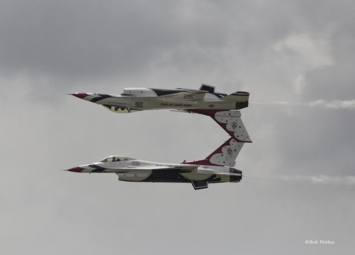 9. Remind you of Top Gun? It's the mirror formation of Air Force Thunderbirds at the Tinker AFB Air Show in Oklahoma City.