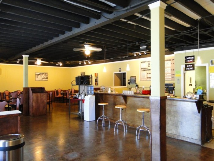 4. Fusion Cafe: Wing It, Norman
