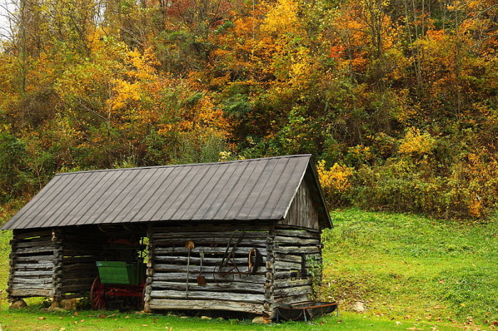 2. This barn in autumn.
