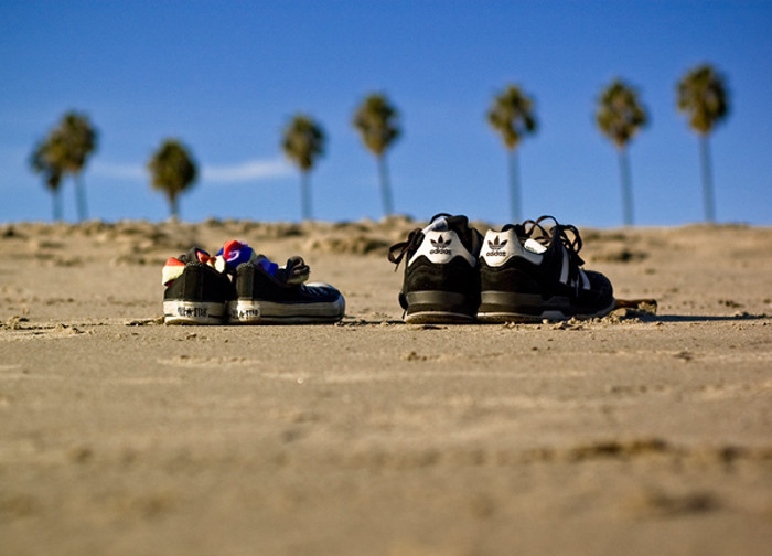 7. Tourists wear inappropriate shoes  to the beach. Locals wear flip-flops.