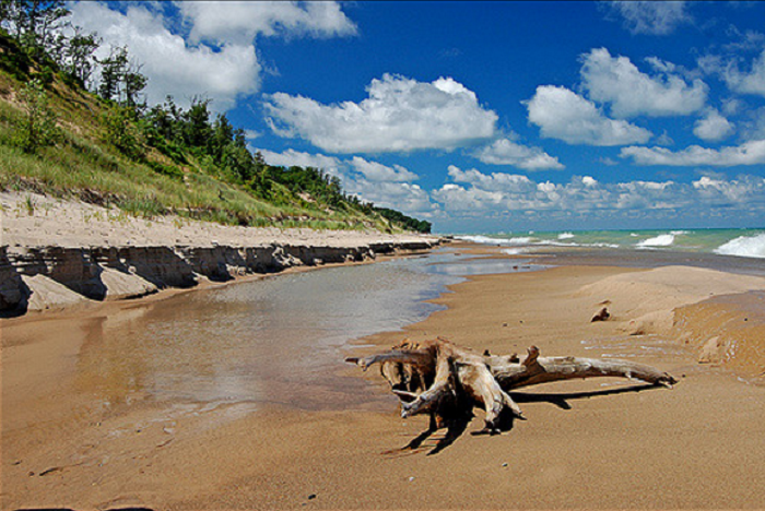 It's easy enough to stay at the Indiana Dunes and take a day or night trip into the city. Peace and relaxation at Indiana's hidden gem of a getaway await you when you return.