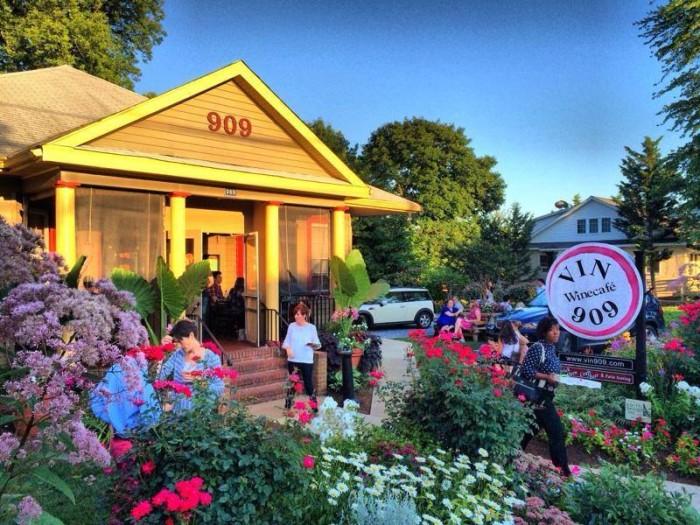 2) VIN 909 Winecafe, Annapolis