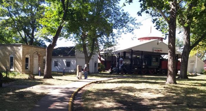 Harold Warp's Pioneer Village, Minden
