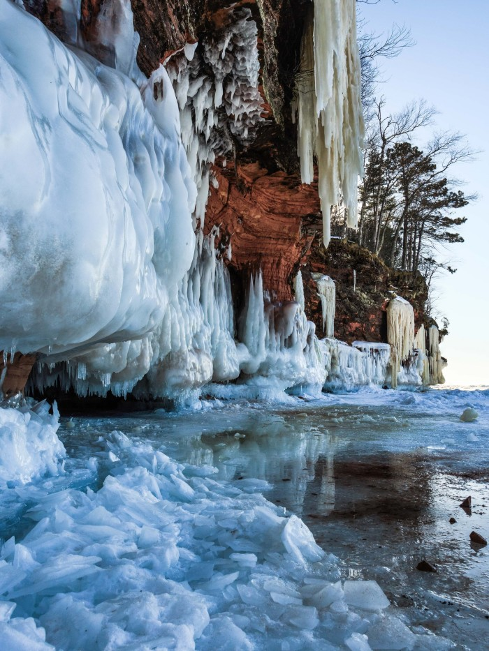6. With ice dripping down, these spectacular structures look even more incredible.