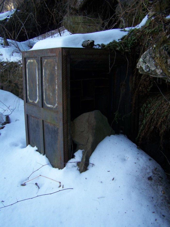 9. I wouldn't recommend going in this shed.