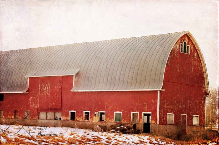 6. Big, beautiful red barn in an unknown part of Wisconsin.