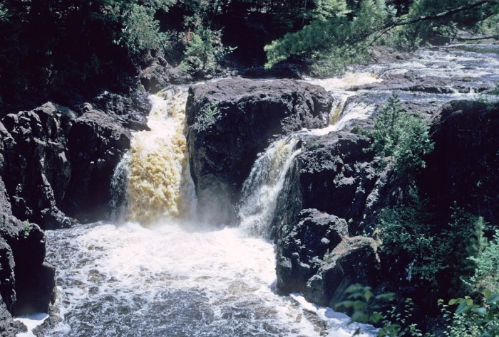 8. You will be amazed that other states don't have such amazing waterfalls, rivers, and lakes.
