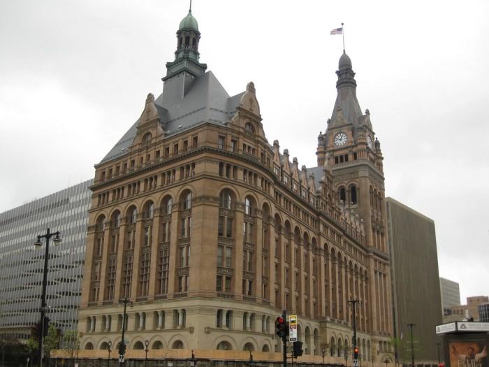 5. Milwaukee City Hall