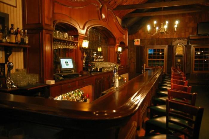 3. Long Grove Village Tavern