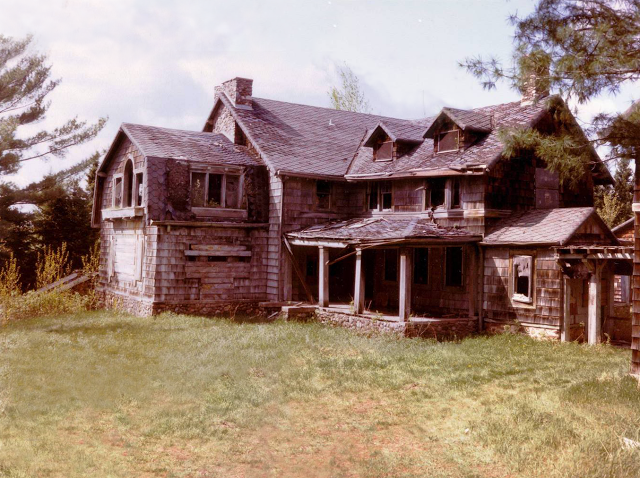 Summerwind Mansion In Wisconsin Is Incredibly Creepy
