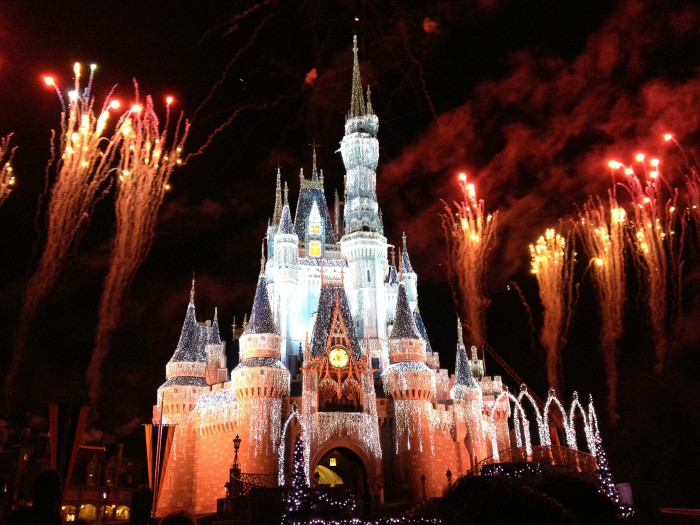 1. Mississippi covers a total area of approximately 48,400 square miles, which is roughly 1,000 times the size of Disney World.