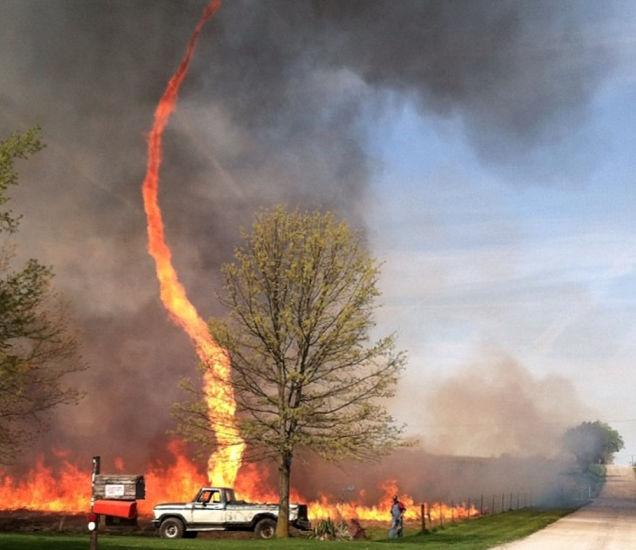1.-Fire-twister.-Fire-tornado.-Firenado