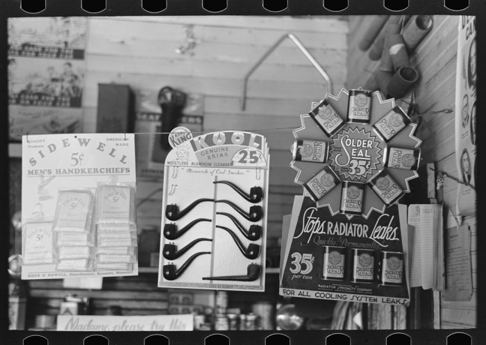 10.	Display of merchandise in a store, La Forge, August 1938.
