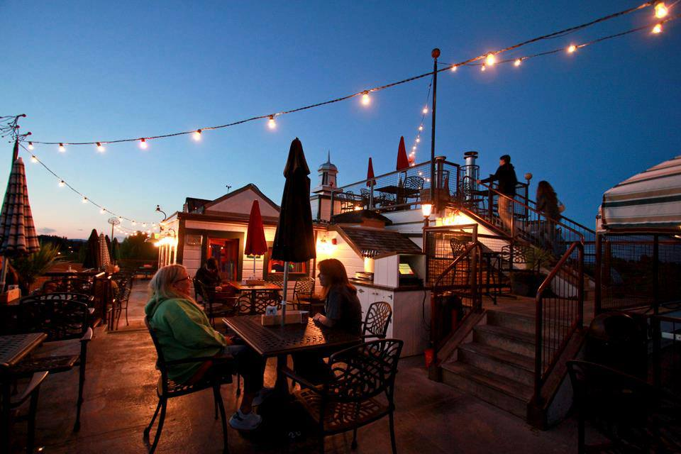 9 Restaurants In Oregon With Incredible Rooftop Dining