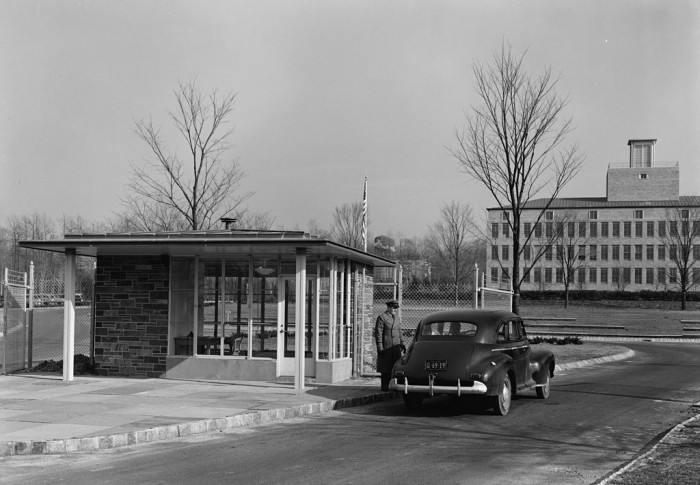 12. Bell Labs in Murray Hill, 1942.