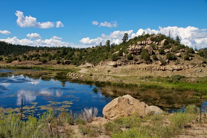 1024px-Dulce_Lake,_Jacarilla_Apache_Nation,_New_Mexico,_USA