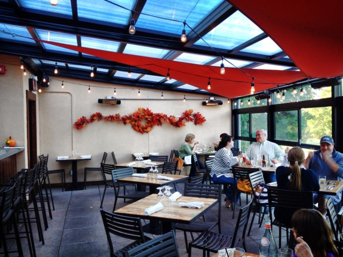 4. Ecco Rooftop Eatery & Bar (Bethel)
