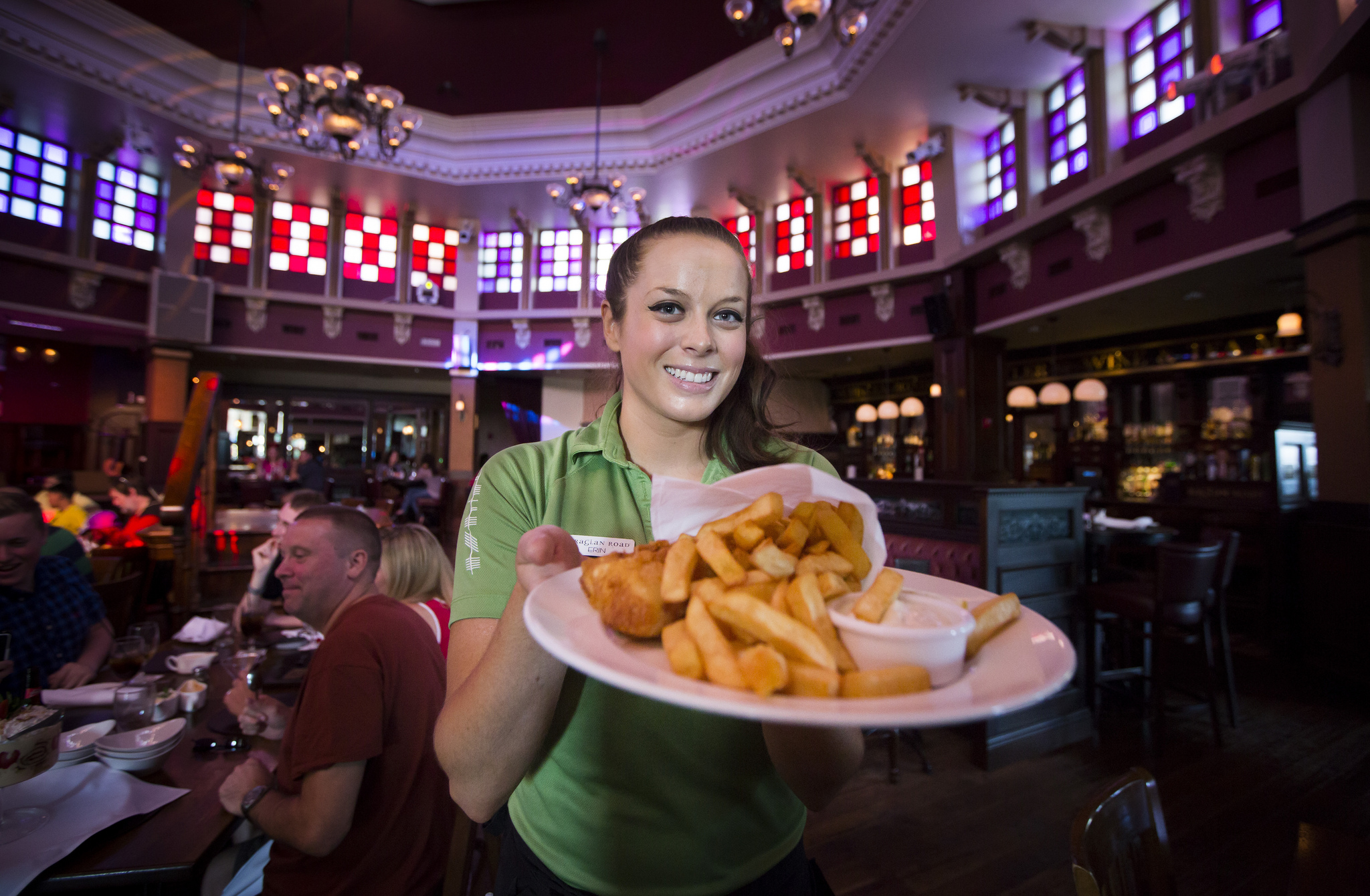 17 Lessons You Learn Waiting Tables In Florida Restaurants