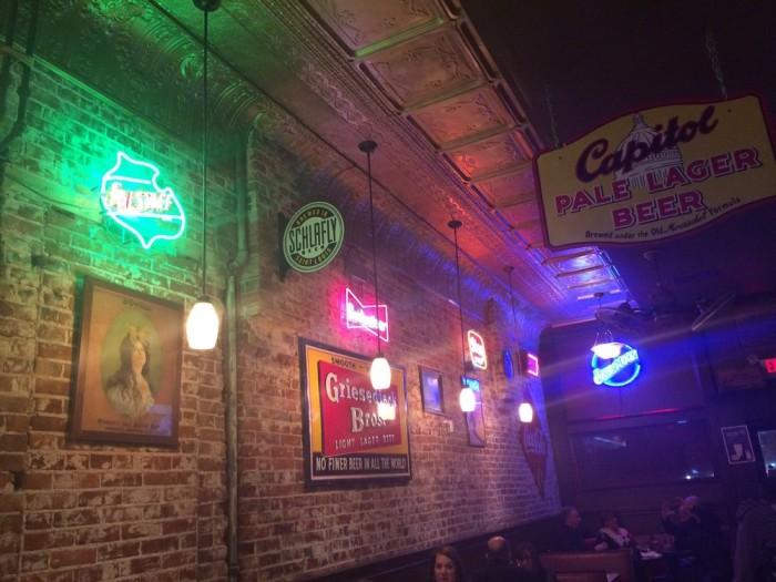 11.2. ECCO Lounge, Jefferson City