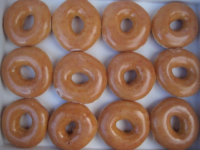 1200px-Krispy_Kreme_glazed_donuts_2