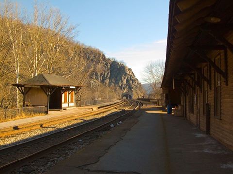 9. Railroad Tracks Where People Have Reported Seeing Screaming Jenny