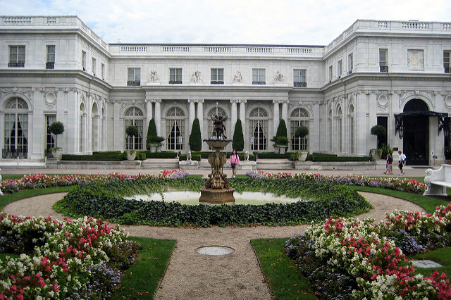 4. Rosecliff: This Newport home was completed in 1902 for a whopping 2.5 million dollars.