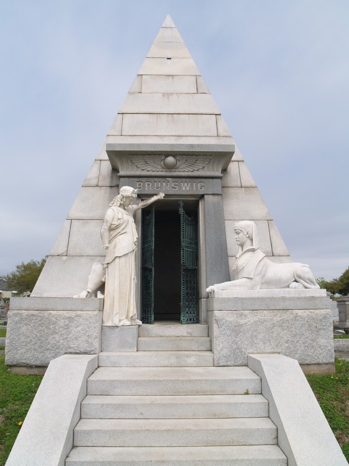 This tomb, known as the sphinx, may have been Nicholas Cage's inspiration for his pyramid tomb.