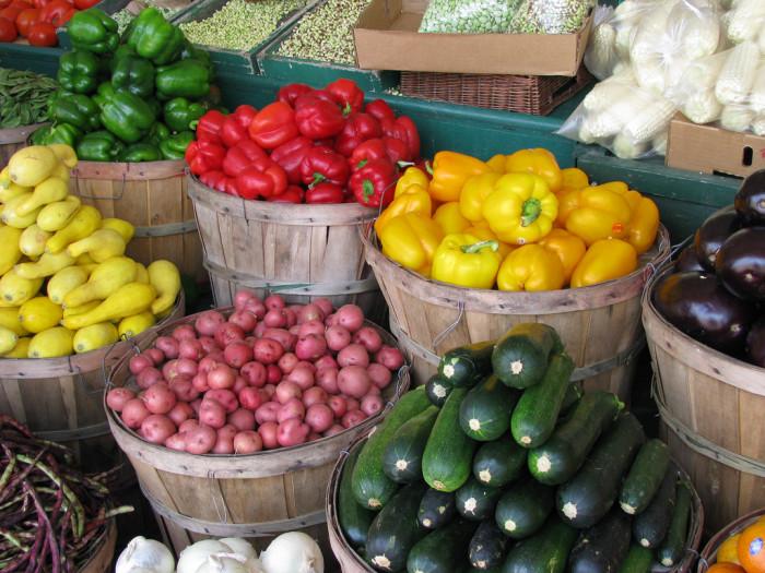 14.Farmer's markets.